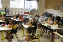 attentif-le-maire-avec-les-enfants-photo-francois-bailly-1539030151